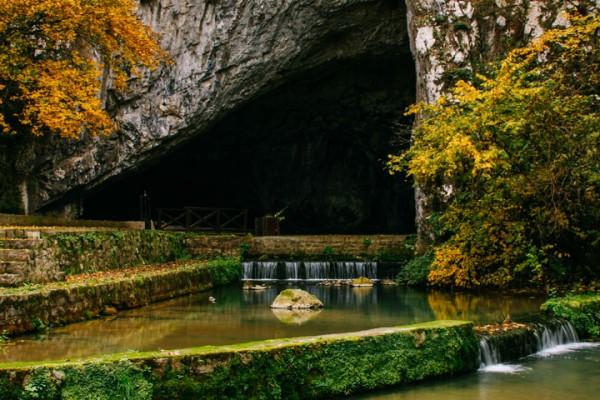 Петничка пећина